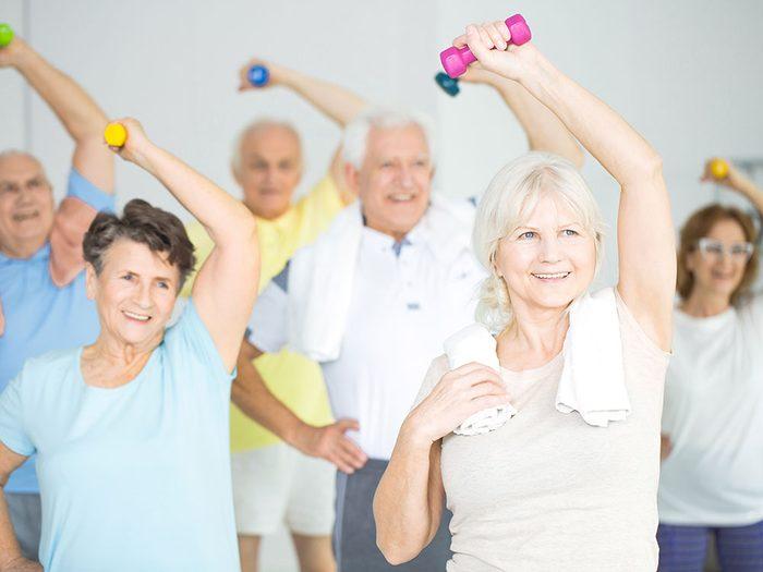 Pourquoi l'activité physique diminue avec l'âge?