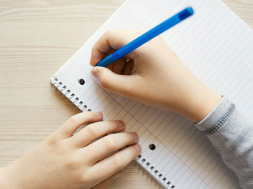 Les astronautes ne peuvent pas écrire avec un stylo ordinaire.