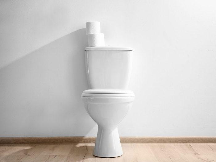 Les astronautes ne peuvent pas utiliser les toilettes comme nous.