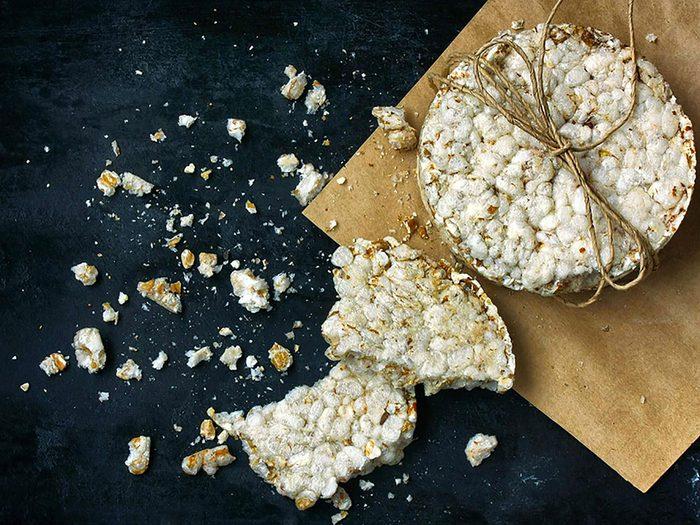 Les craquelins au riz blanc ne sont pas aussi bons pour la santé que ce qu'on pense.