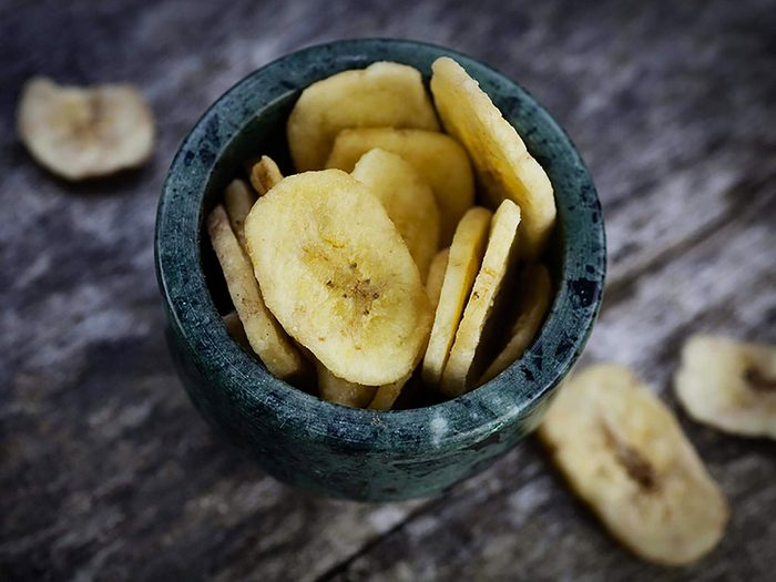 Les croustilles de bananes ne sont pas aussi bonnes pour la santé que ce qu'on pense.