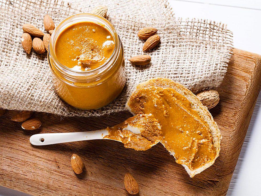 Le beurre d'arachide allégé n'est pas aussi bon pour la santé que ce qu'on pense.