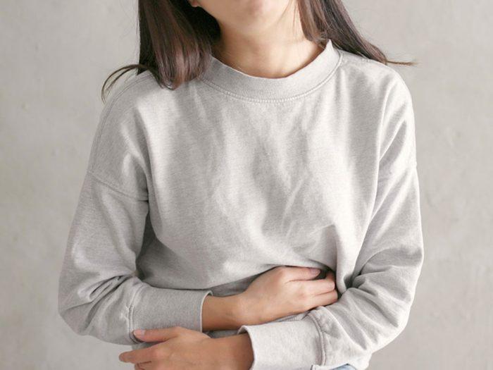 Si vous avez une douleur persistante dans le ventre, c'est un signe du cancer de la vésicule biliaire.