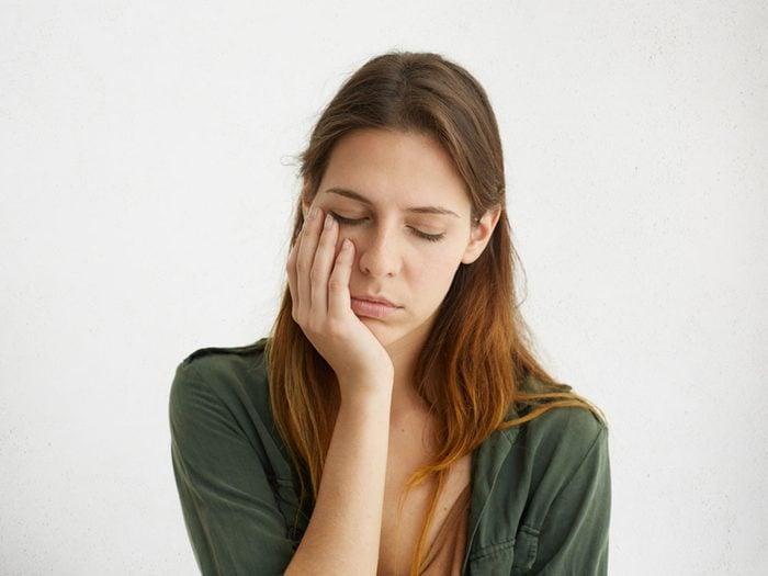 Le dégoût de soi et une image négative de soi sont fréquents dans la dépression.