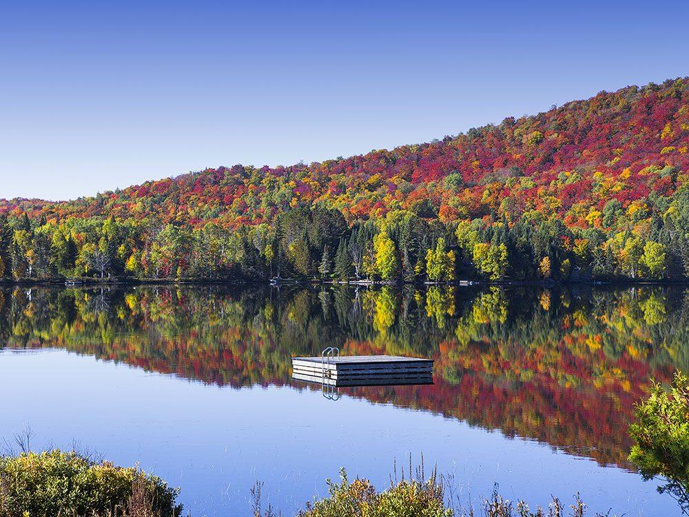 Le Lac-Supérieur dans les Laurentides est l'un des panoramas à couper le souffle au Québec.
