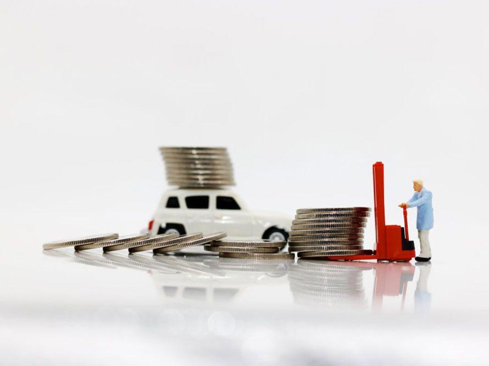 Ne payez pas en argent comptant les réparations de votre auto par exemple. Payer avec une carte de crédit vous donne un délai supplémentaire pour évaluer le travail.