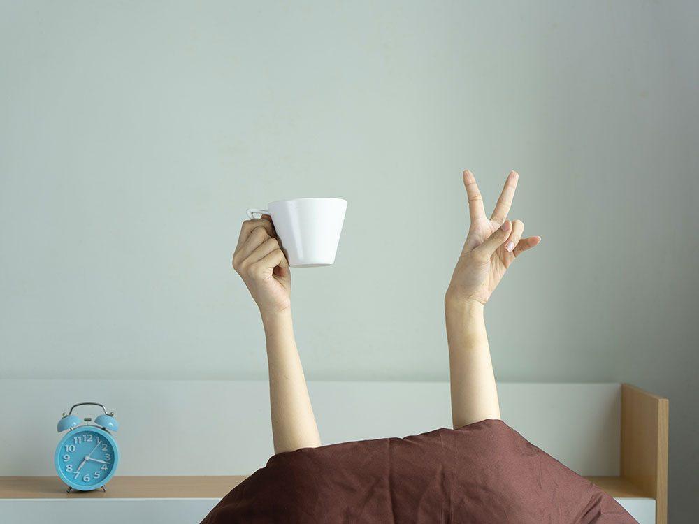 Photos hilarantes: un peu de café, s'il vous plaît.