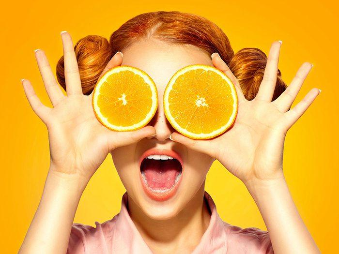 Photos hilarantes: des yeux à l'orange.