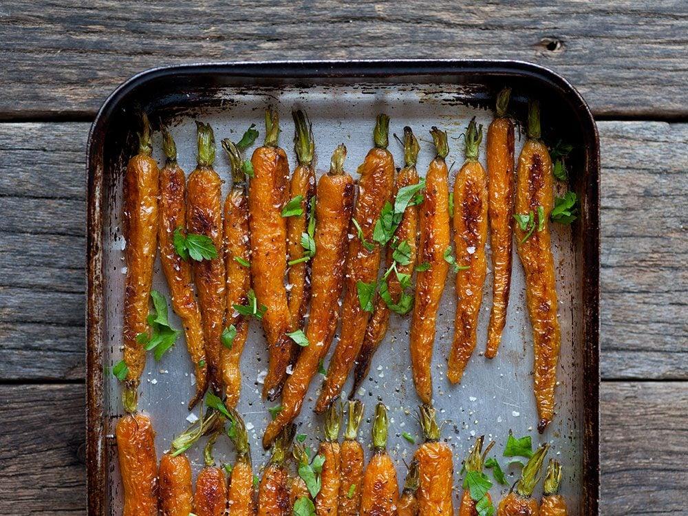 Recette de carottes rôties au café.
