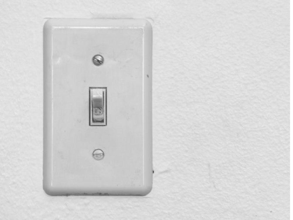 Méfiez-vous des interrupteurs et poignées de porte qui peuvent transmettre le rhume et la grippe.