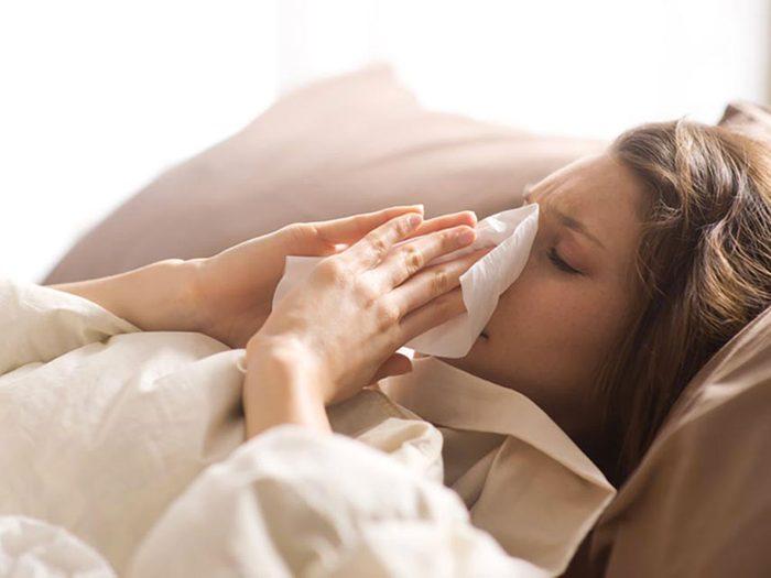 Vos proches peuvent vous transmettre le rhume et la grippe.