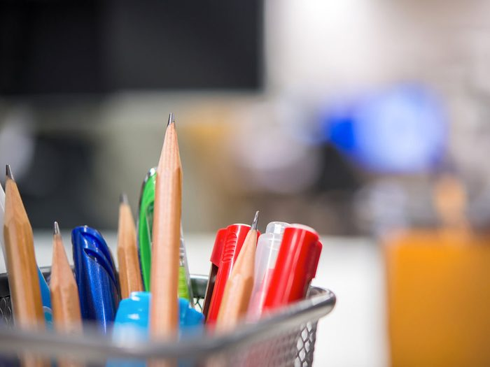 Méfiez-vous des tylos, des crayons et des marqueurs qui peuvent transmettre le rhume et la grippe.