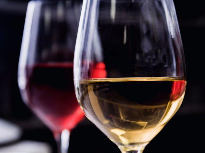 Limiter sa consommation d'alcool est bon pour la santé des os.