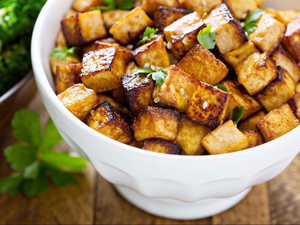 Manger du tofu est bon pour la santé des os.