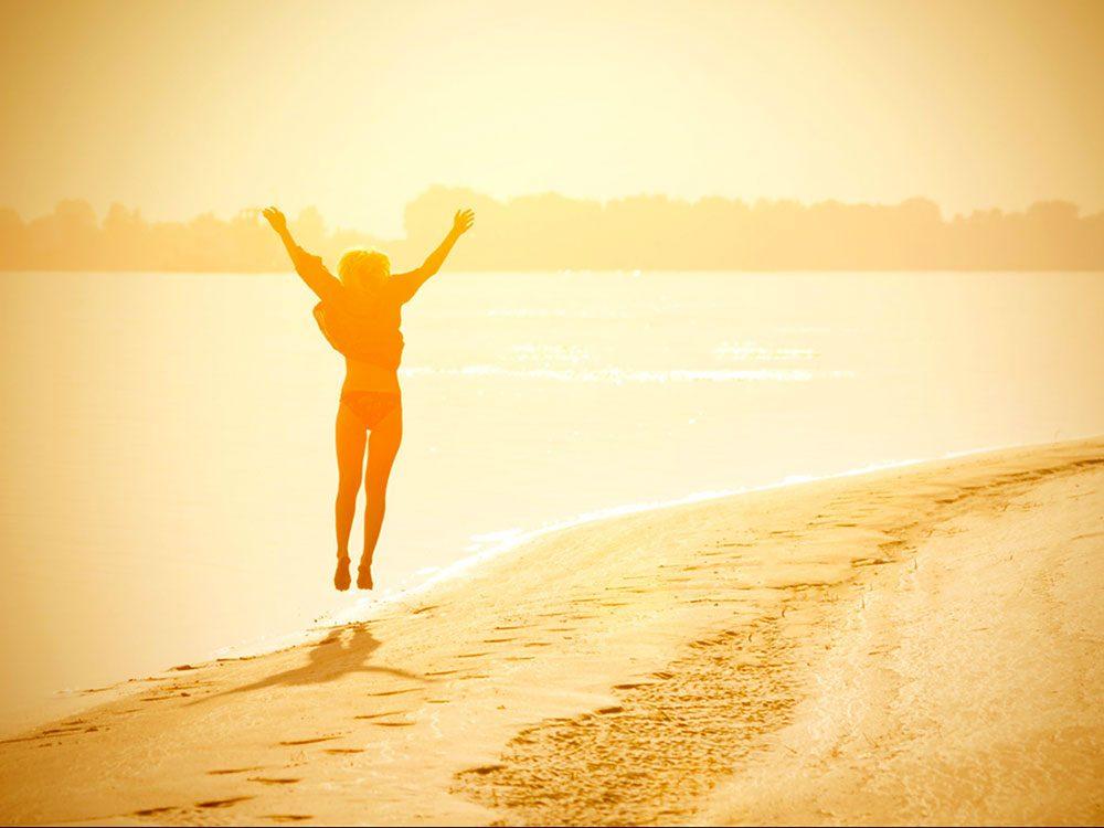 Sortir au soleil est bon pour la santé des os.