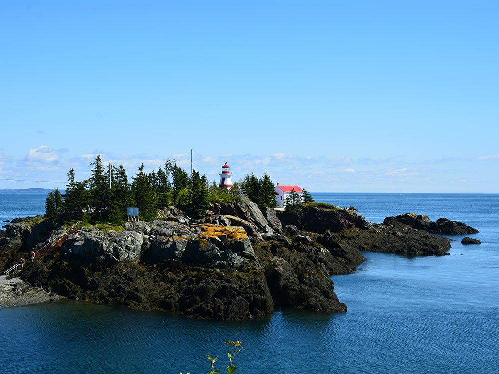 Sauver des baleines: East Quoddy Lighthouse sur l'île de Campobello au Nouveau Brunswick.