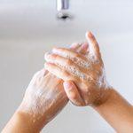 Continuer à se laver les mains après la COVID-19