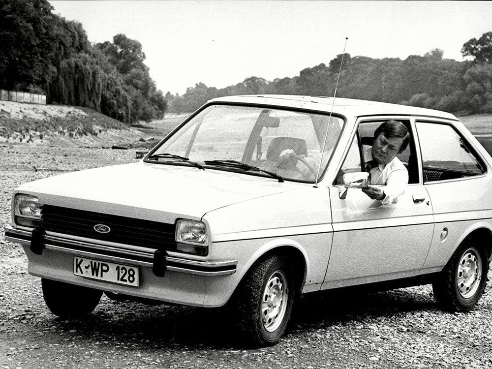 La Ford Fiesta est une voiture vintage.