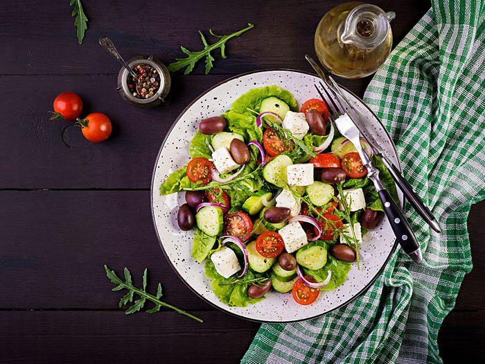Pour manger plus de légumes, servez-les en salade.