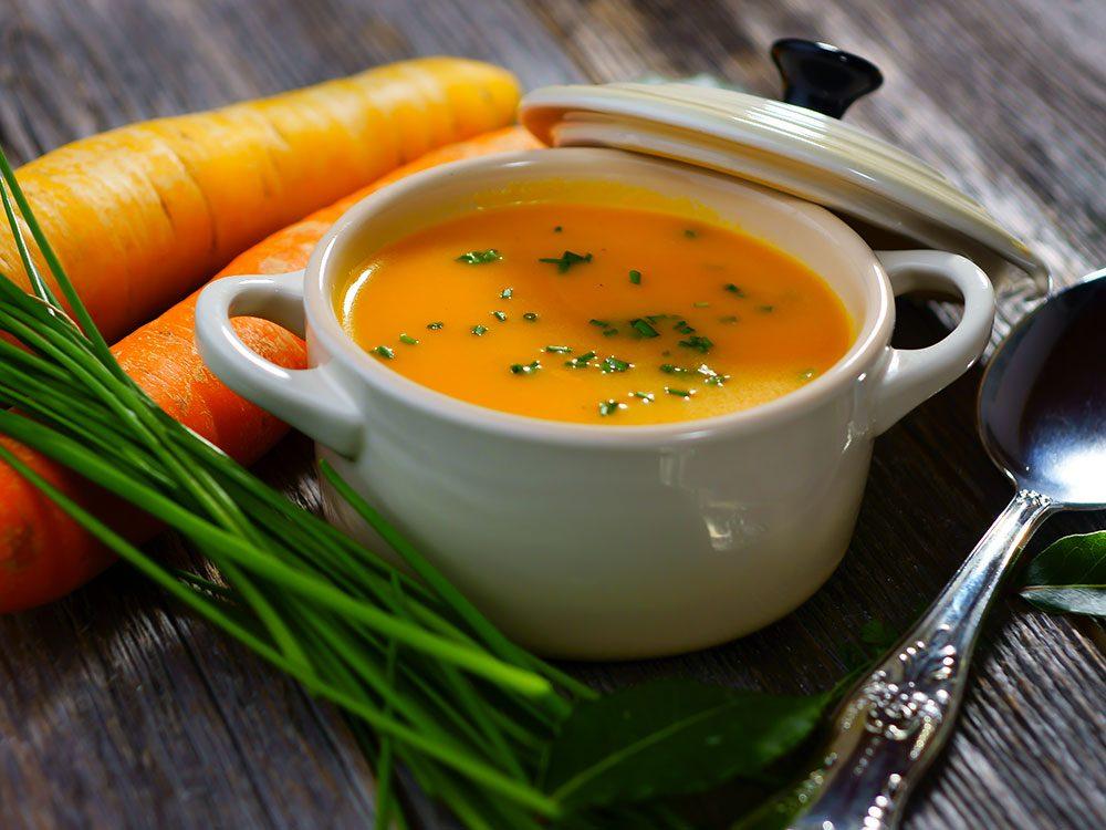 Pour manger plus de légumes, faites-en des soupes.