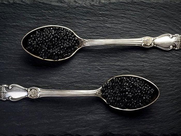 Le caviar est l'un des aliments populaires maintenant, mais pas il y à 100 ans!