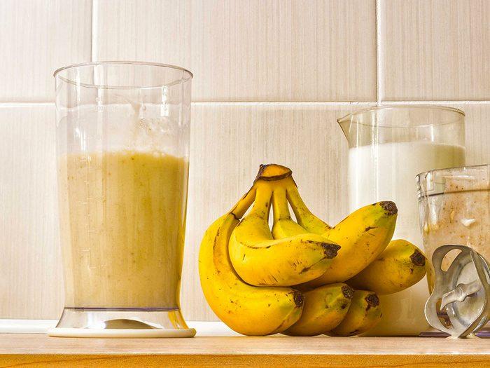 Utiliser les bananes comme fertilisant ou paillis.