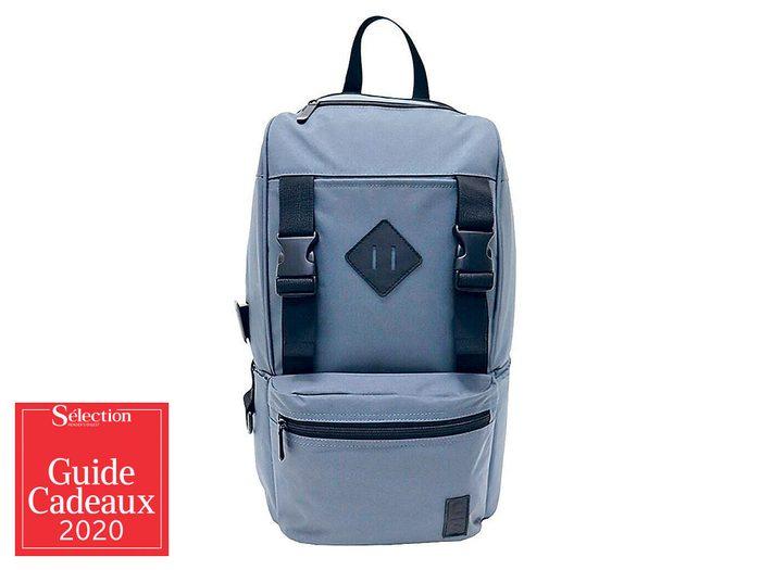 Le sac à dos avec chargeur USB fait partie des idées de cadeaux de Noël.