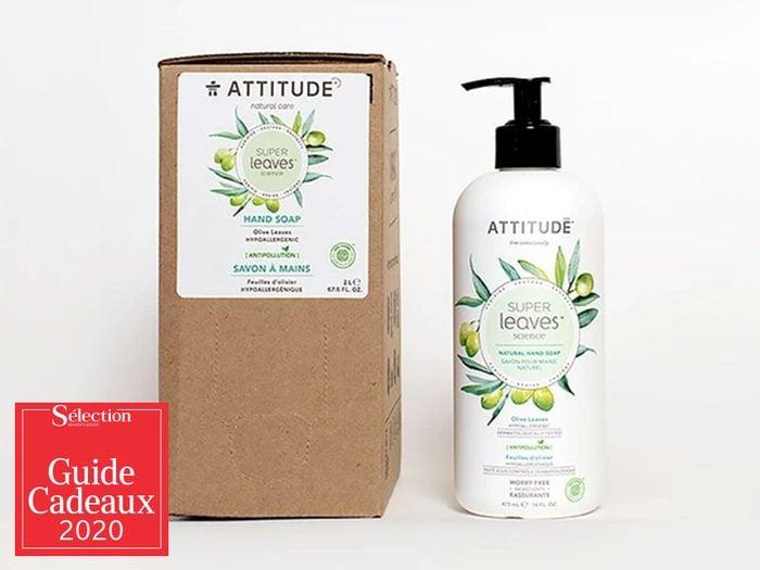 Le savon à main naturel fait partie des idées de cadeaux de Noël.