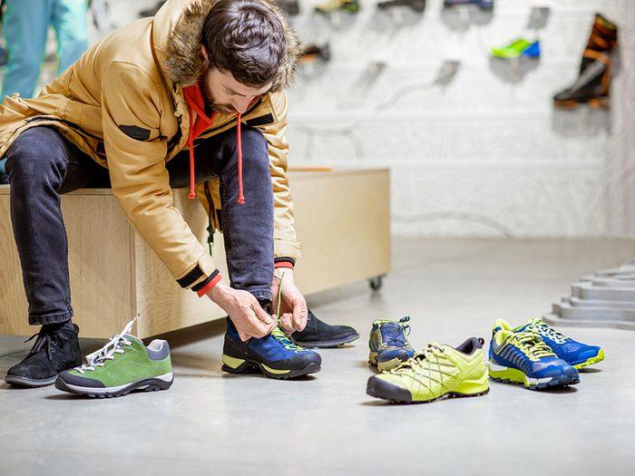 Vous voulez vraiment partir avec les socquettes que le magasin prête pour l'essayage des chaussures?