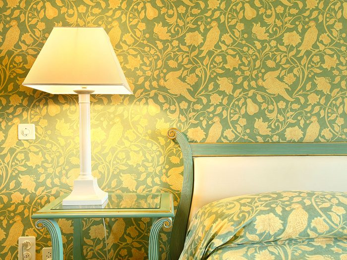 Un courtier immobilier évite une décoration excentrique.