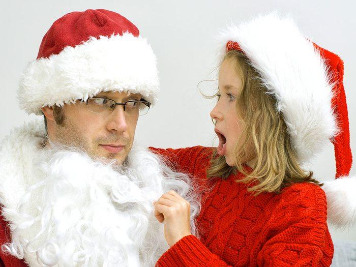 Un enfant qui découvre que le Père Noël n'existe pas fait partie des imprévus des fêtes.