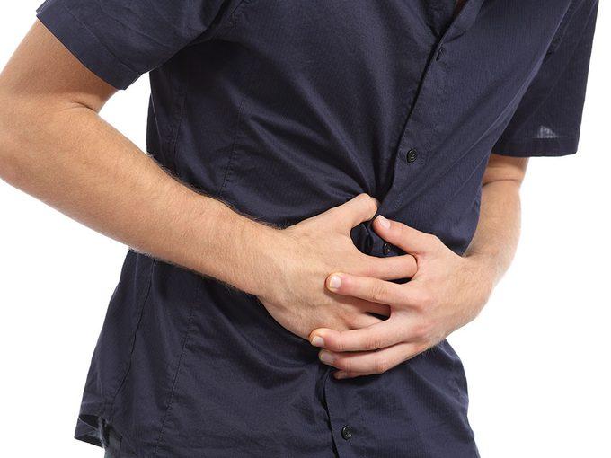 La maladie cœliaque se caractérise par une réaction allergique au gluten, qui peut détériorer l'intestin.