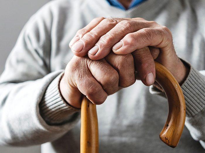 Le vieillissement est un autre facteur qui ralentit le métabolisme.