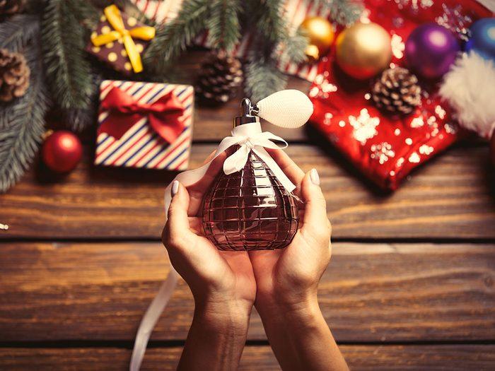 Pour Noël, n'offrez pas de parfum ou bougie.