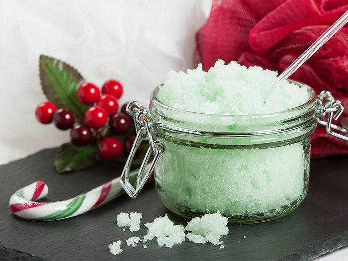 Confectionner des produits maison pour passer un Noël zéro déchet.