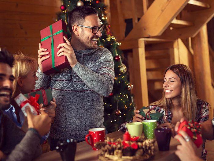 Organiser un échange de cadeaux sensé pour passer un Noël zéro déchet.
