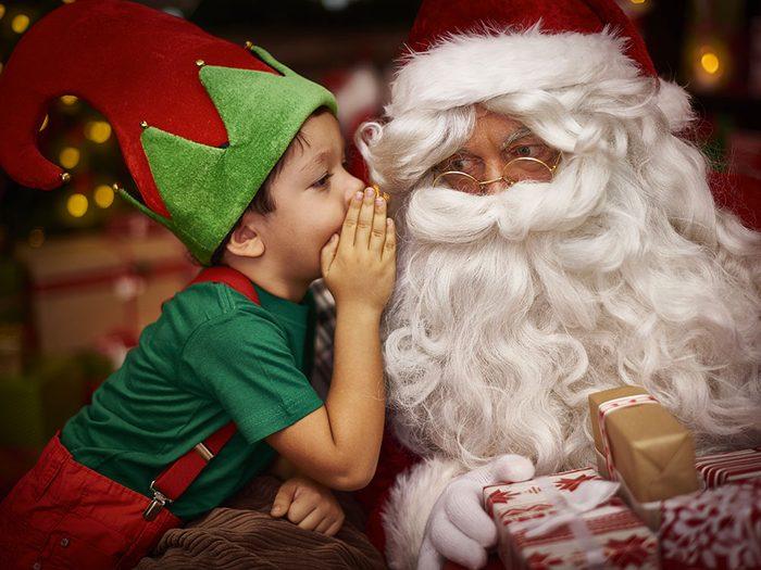 Le père Noël et son lutin.