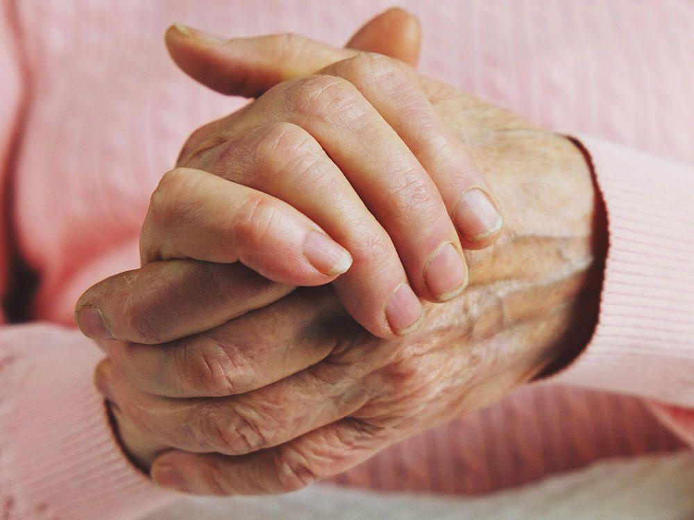 L'arthrite rhumatoïde peut être la cause de votre perte de poids inattendue.