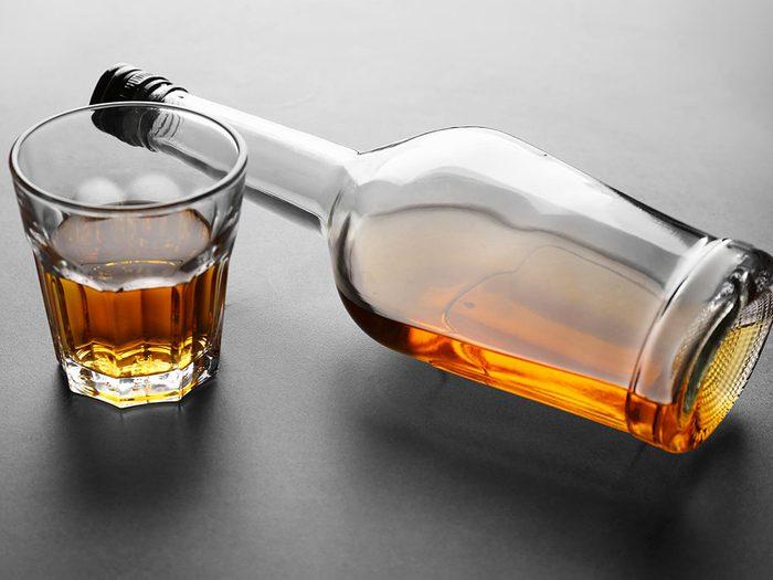 L'alcoolisme peut être la cause de votre perte de poids inattendue.
