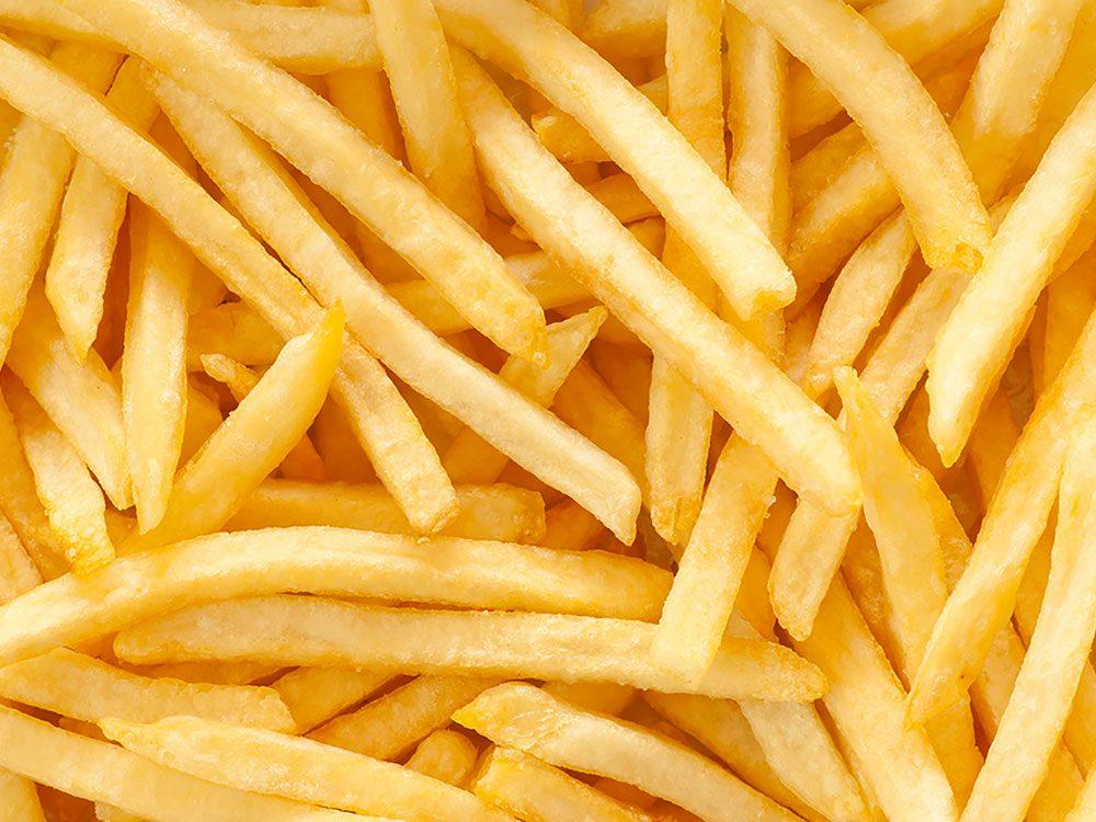 En restauration rapide, si vous voulez être sûr(e) que vos frites sortent vraiment de la friteuse, demandez-les sans sel.