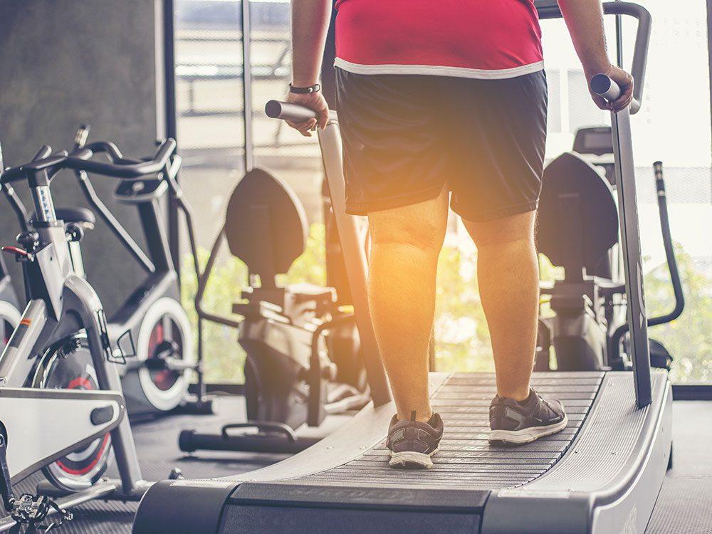 Le sport à jeun augmente de la combustion des graisses, mais ne vous attendez pas à perdre plus de poids.