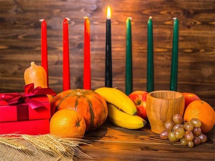 Temps des fêtes: Kwanzaa est célébrée en plus de Noël.