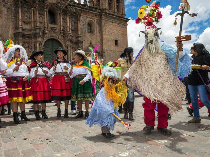 Temps des fêtes: revoyez la première règle de Fight Club si vous fêtez Noël au Pérou.