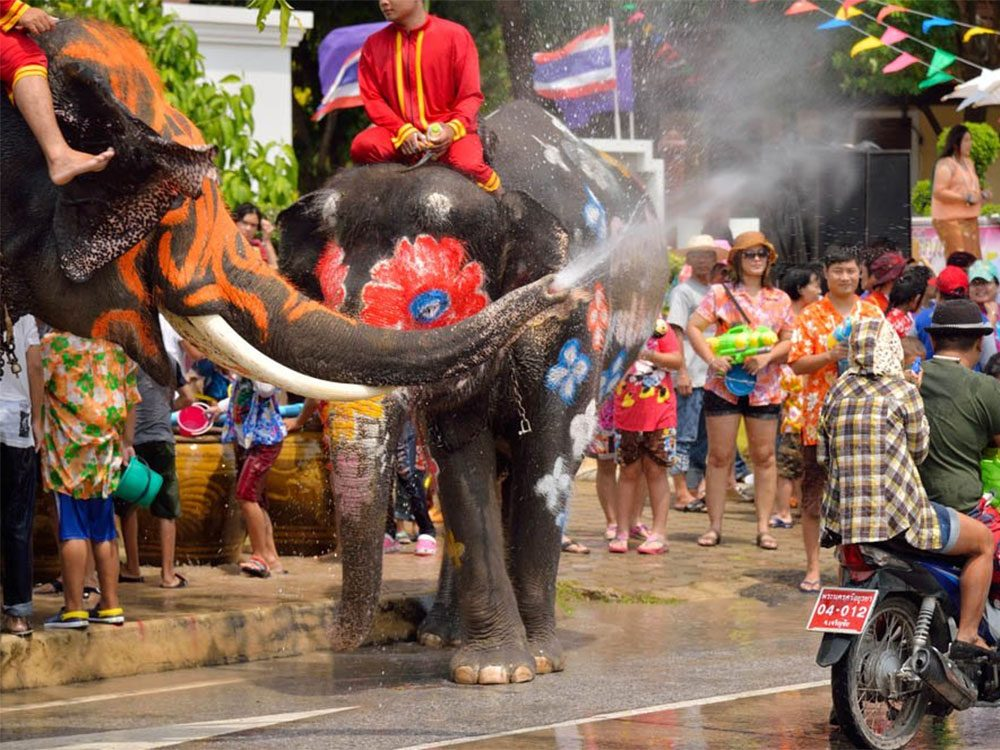 Temps des fêtes: si c'est le Nouvel An en Thaïlande, apportez une serviette.
