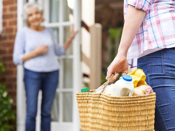 N'hésitez pas à vous faire aider si vous choisissez de vieillir chez vous.