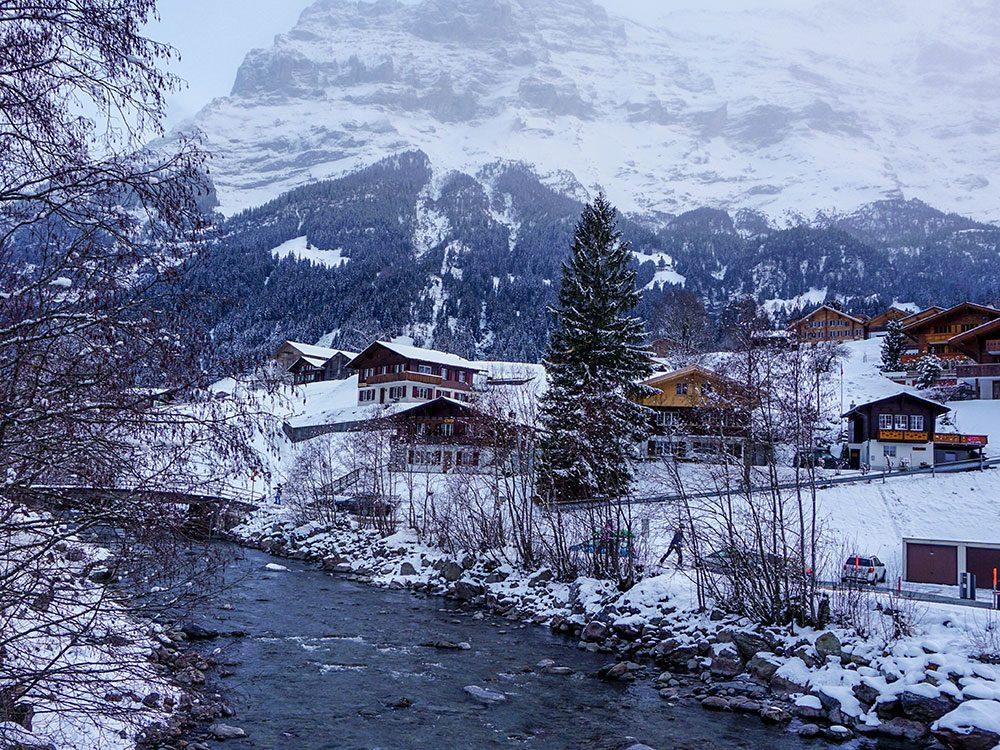 Grindelwald en Suisse est l'une des 13 villes dans le monde qui sont magnifiques sous la neige.