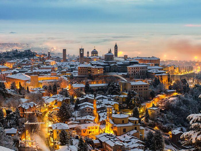 Voici 13 villes dans le monde qui sont magnifiques sous la neige.