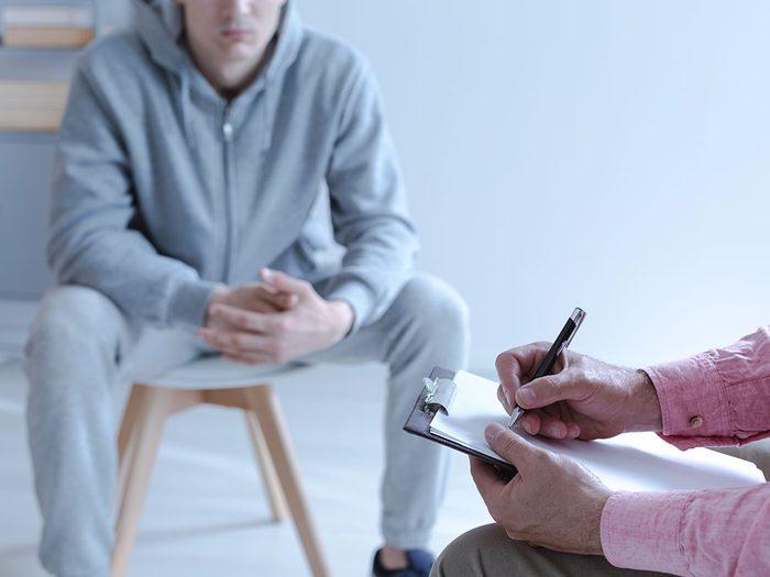 Voyez un thérapeute pour vous aider à arrêter de vapoter.