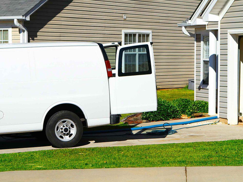 A ppelez votre voisin si vous sentez quelque chose de suspect pour assurer un bon voisinage.