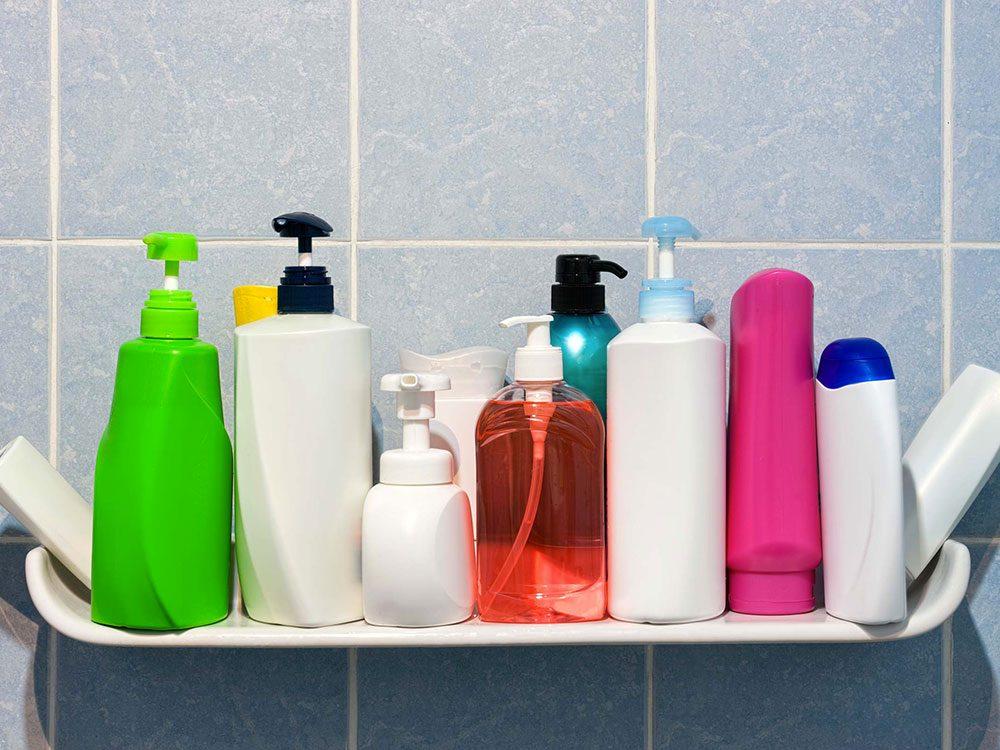 Vous utilisez trop de produits clarifiants alors vos cheveux deviennent fourchus.